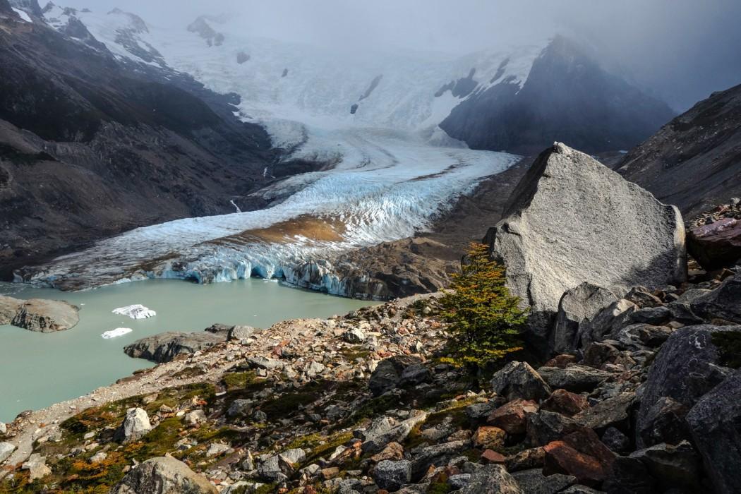 Położony tuż przy Cerro Torre lodowiec Glaciar Grande